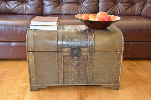 Brown Old Fashioned Large Wood Storage Trunk Wooden Chest