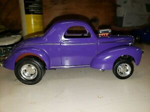 Road Signature 1941 Willys Coupe 1/18 Scale Diecast Purple Hot Rod