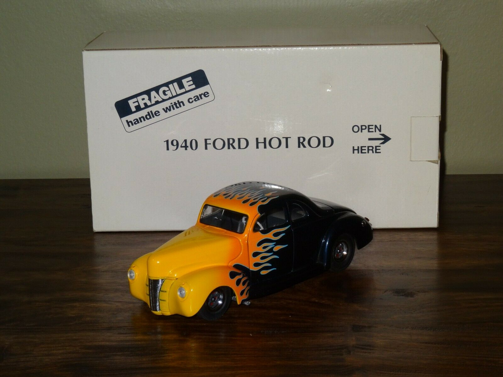 DANBURY MINT 1940 FORD HOT ROD DELUXE COUPE, TWILIGHT blueeE 1 24 SCALE