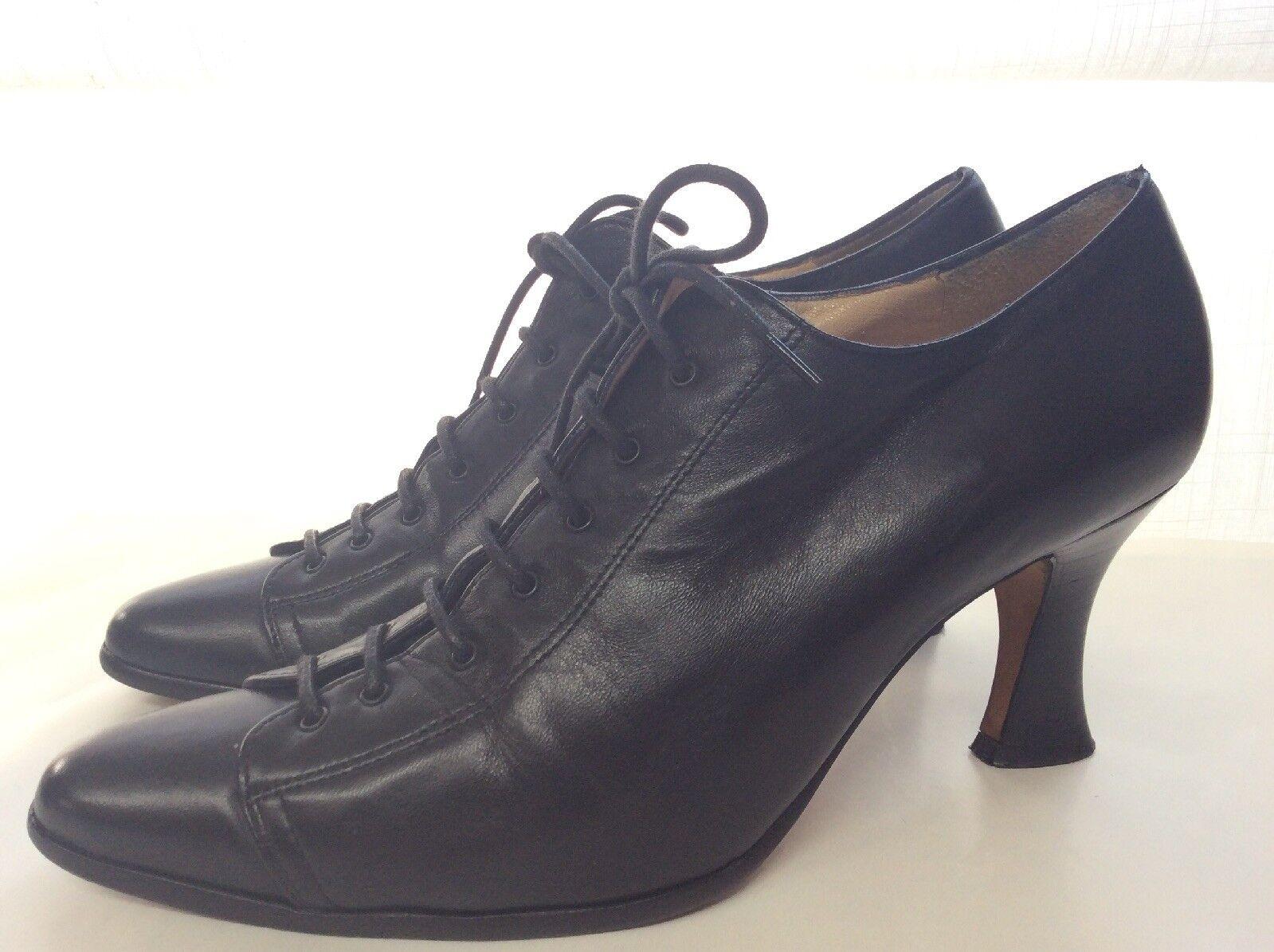 f591695962dc5e 100% Pelle Nera Qualità Pieno Stile Vintage Scarpe by Russell & Bromley  Taglia 5 UK. Insolia Décolleté da donna con tacco quadrato