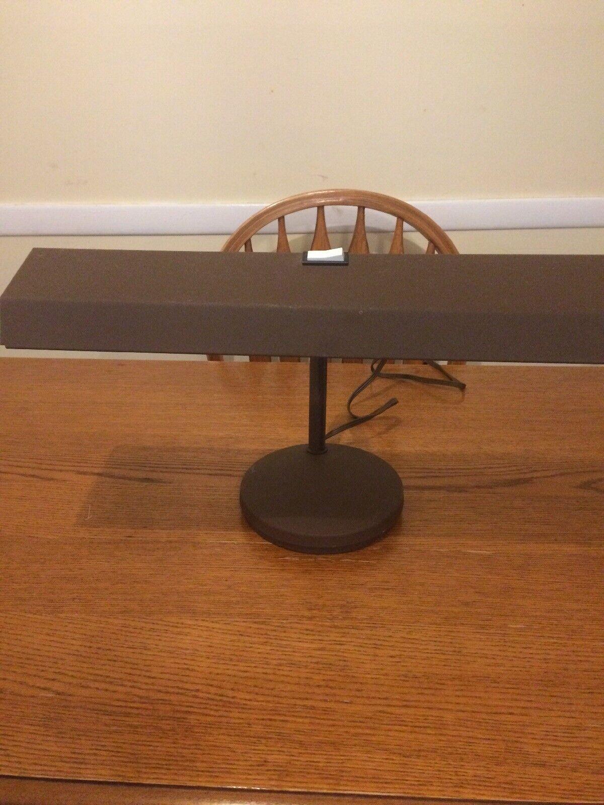 Electrix Desk Light Adjustable braun Metal Desk Lamp Model 2067 120 Volts