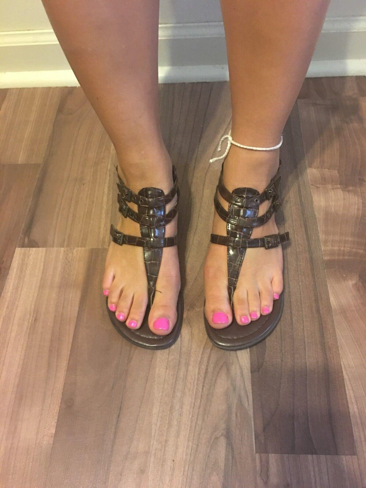 NWOB Women's MIA Hyram Brown Croc Sandals Size 7