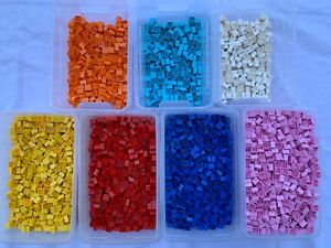 LEGO-3003-Choice-Of-50-Used-2x2-Bricks-In-7-Different-Colours-50-Pieces
