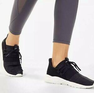 NIB Fabletics Zuma Studio Sneaker II