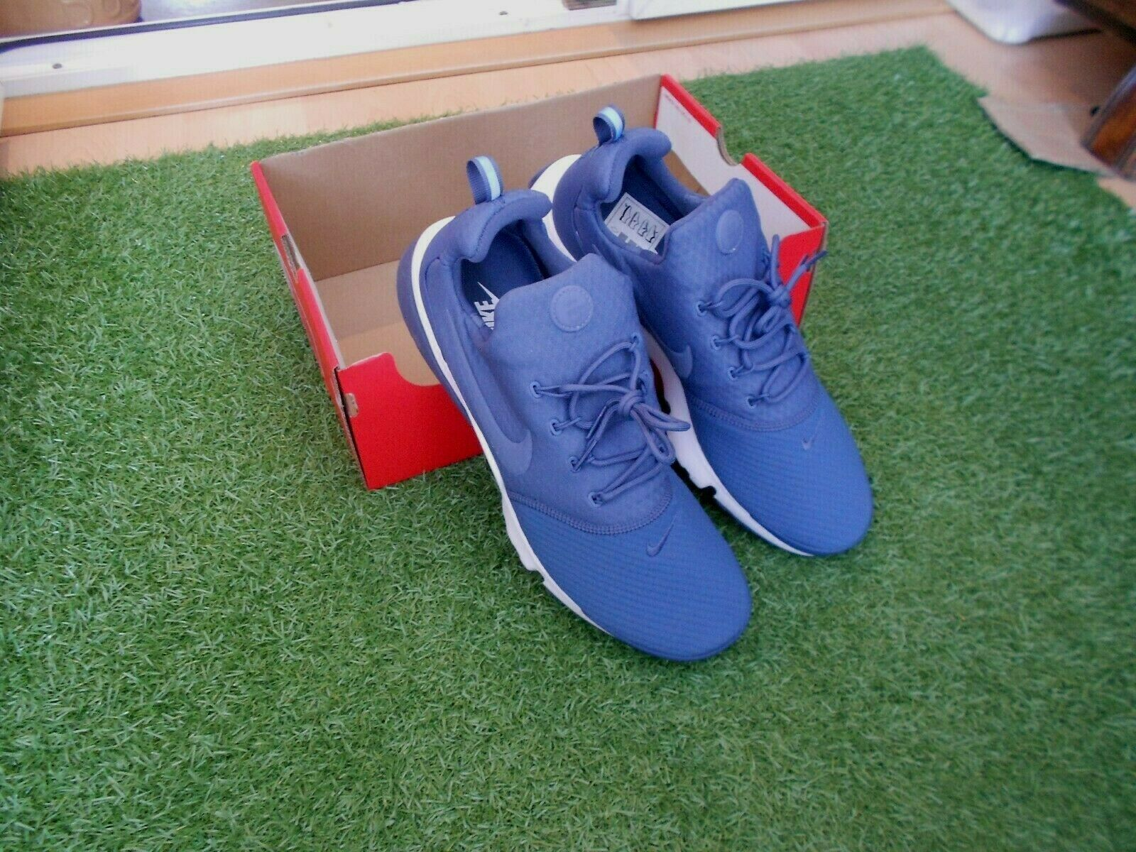 BNWOB NIKE PRESTO FLY TRAINERS UK SIZE 13 - DIFFUSED blueE
