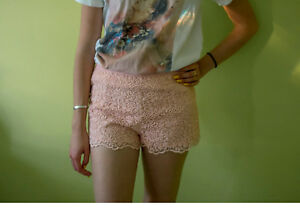 Juniors Pink Lace Embroidered Forever 21 Shorts Size S