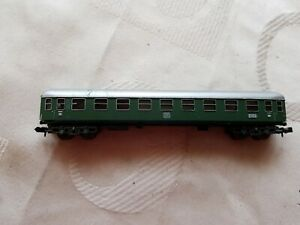 A Model Railway German Db Coach In N Gauge By Trix Unboxed Apparence Brillante Et Translucide