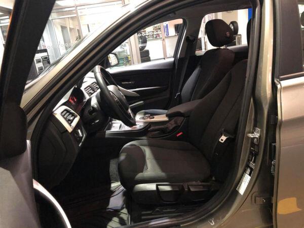 BMW 320i 2,0 Touring aut. - billede 4