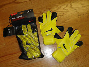 Nike Adult 7 Nike GK Grip 3 Goalkeeping Gloves Yellow Black Mens ... 19fe980662