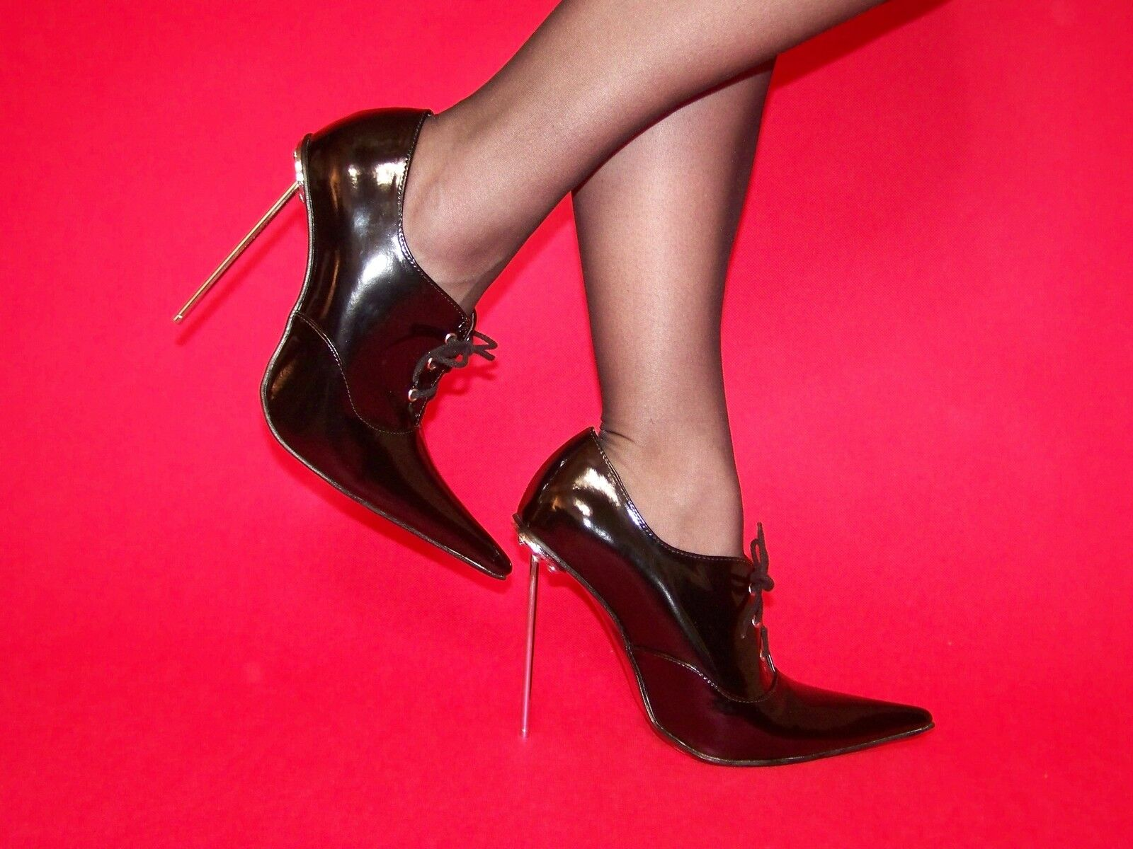 BLACK OR ROT PATENT LEATHER PUMPS SIZE 5-16 HEELS-5,5' - PRODUCER POLAND