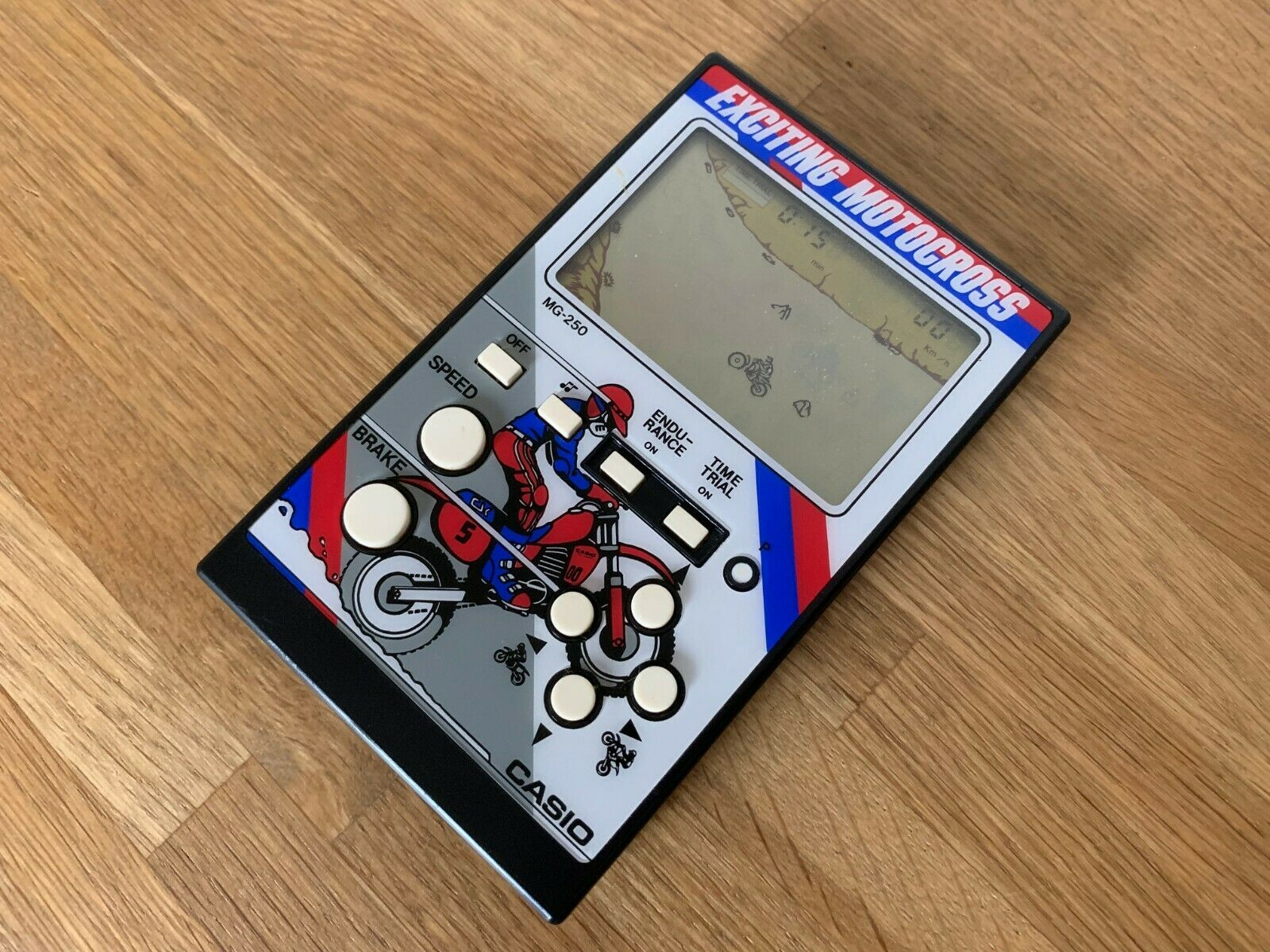 Väldigt sällsynt Casio Excting Motocross MG-250 1985 Vintage LCD Electronic Game Mint