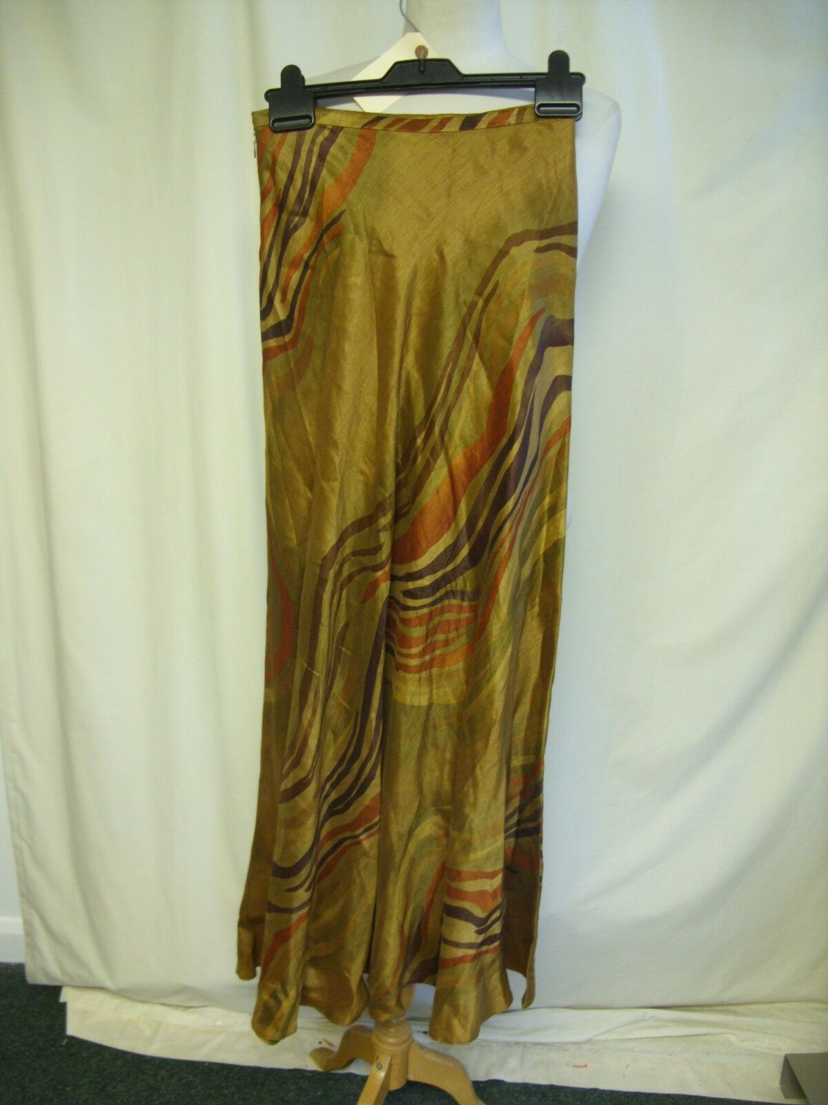 Ladies Skirt Jaeger brown slim A-line, linen silk mix, waist 26  length 41  2287