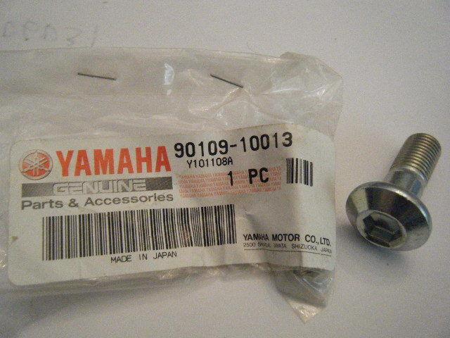 NOS YAMAHA 1972 DT2MX FRAME BOLT PART# 90109-10316-00