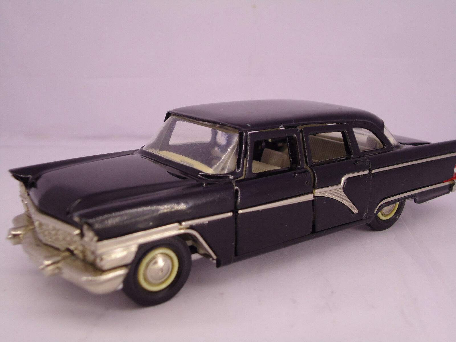 RARE 1980's  ANTIQUE CHAYKA Gaz 13 car model A15, 1 43, Made in USSR, ORIGINAL