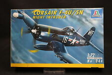 XY153 ITALERI 1/72 maquette avion 044 Corsair F-4U/5N Night Intruder Année 1994