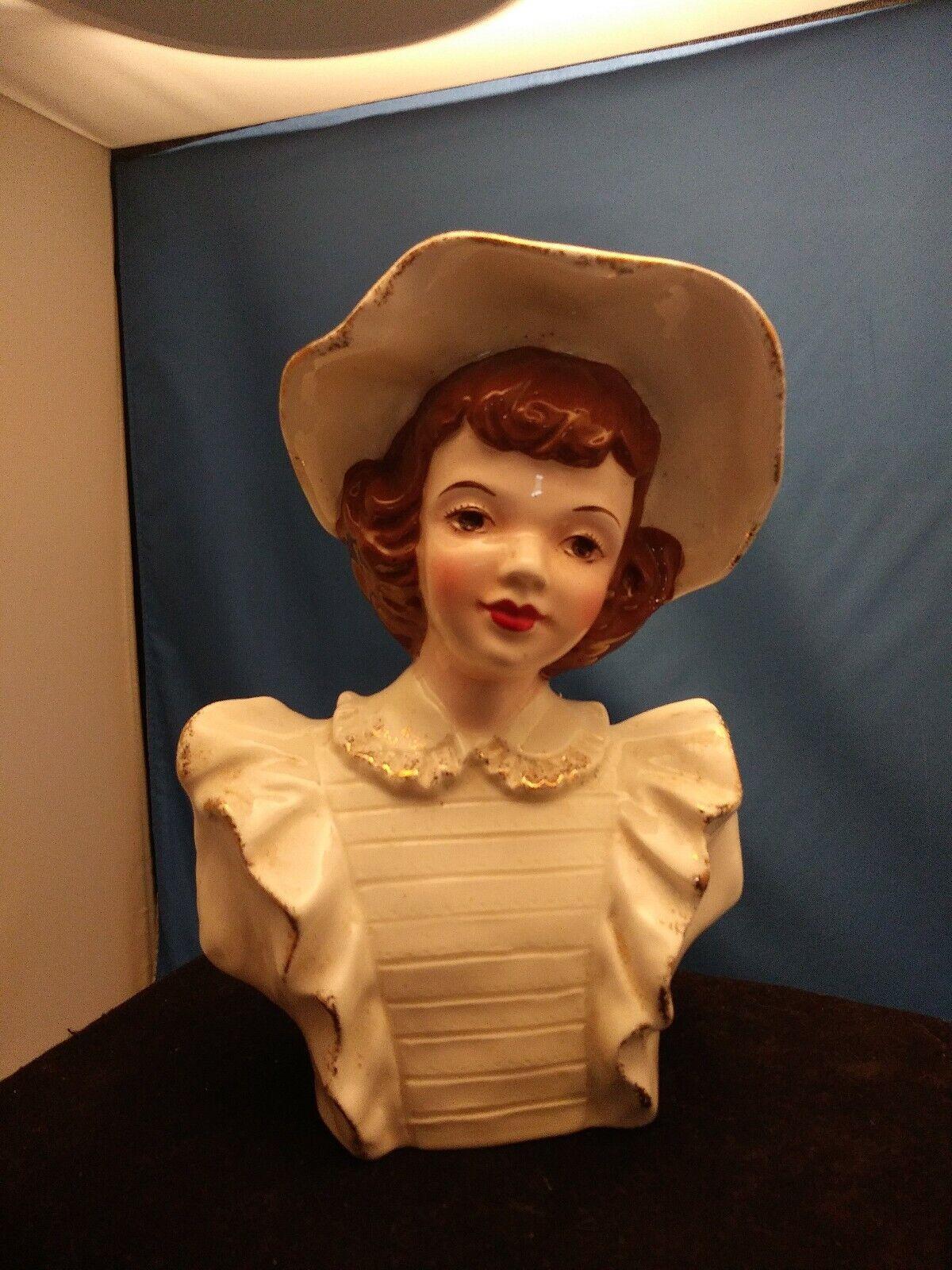 autentico online Vintage Vintage Vintage Ceramic Lady bambola Head with bianca hat Vase Planter 6  TtuttiESTATE SALE  compra nuovo economico