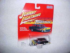 Johnny-Lightning-THUNDER-WAGONS-1956-CHEVY-NOMAD-Diecast-car-VHTF-NEW