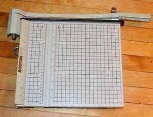 """Amical Boston 12"""" Papier / Cutter Photo Tondeuse Modèle 2612 Great Condition"""