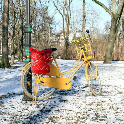 IKURI Fahrradtasche für Gepäckträger Wasserdicht Wachstuch Lunares rot