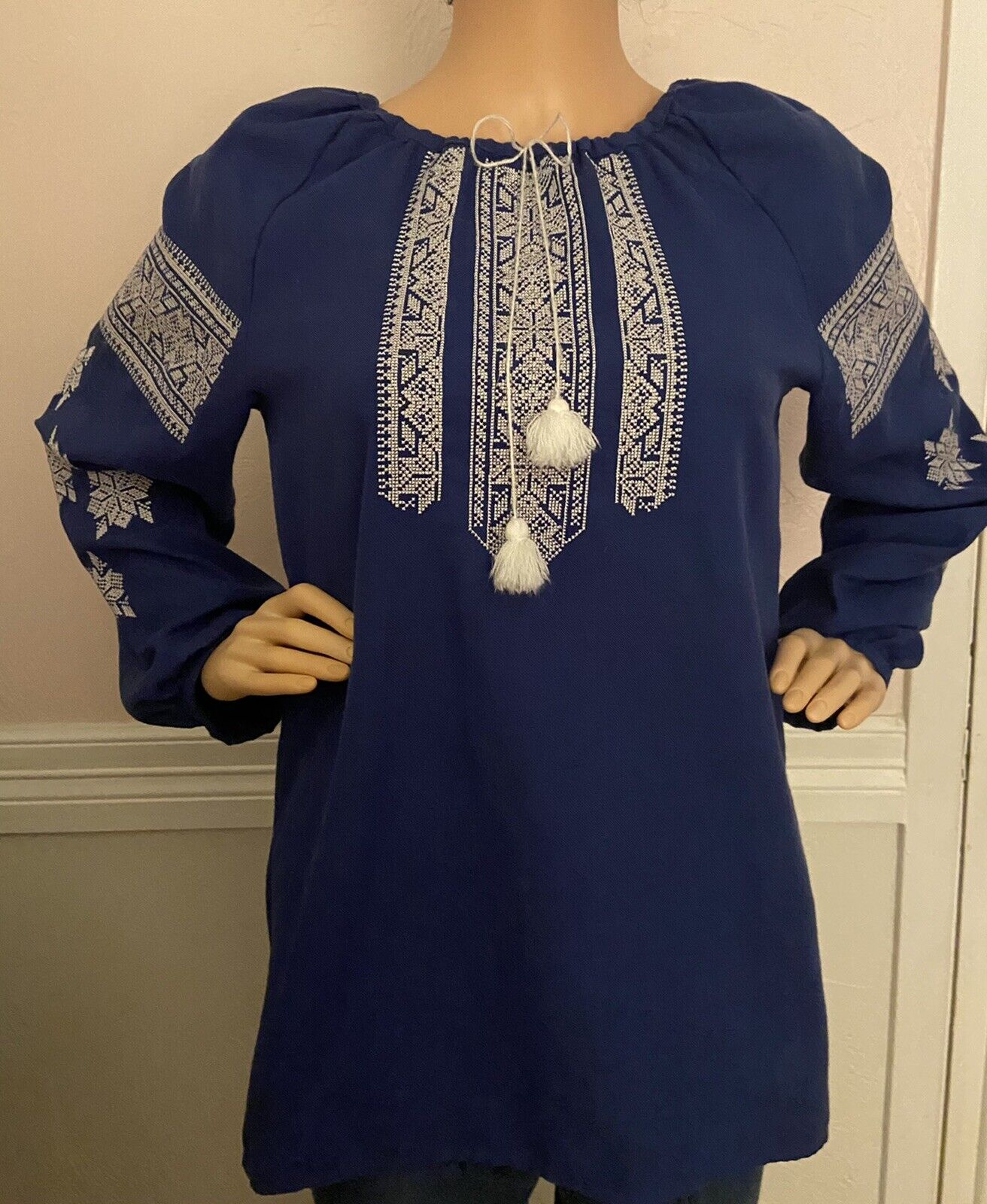 Blue Bird Cross stitched 1980s Peasant Blouse Short sleeves and Pockets Size Small