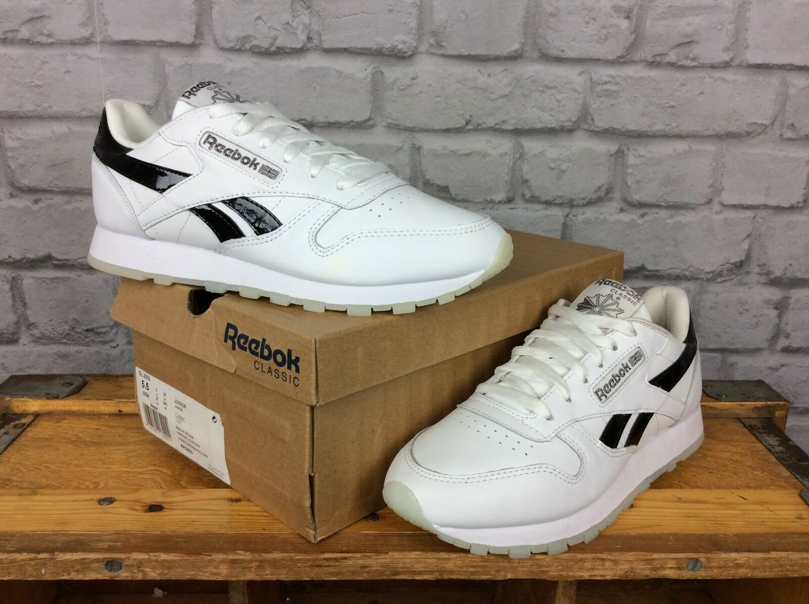 REEBOK LADIES UK 5.5 EU 38 blanc LEATHER CLASSIC TRAINERS TRAINERS TRAINERS HOLOGRAPHIC BACK 9e7513