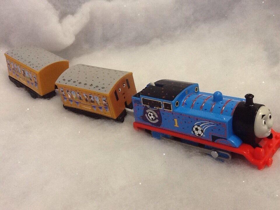 Thomas & Friends - Trackmaster rot Vs Blau Thomas, New