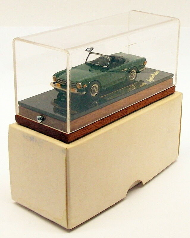 Apollo Models 1 43 Scale blanco Metal Model Car AP742  - Triumph TR6 - verde
