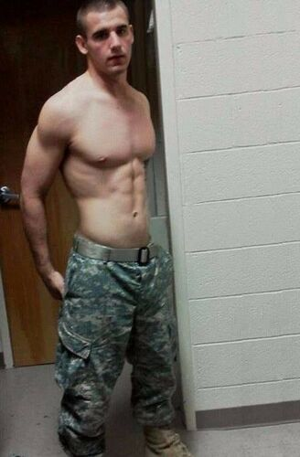 Shirtless Male Muscular Military Hunk Athletic Physique Camo Pant PHOTO 4X6 D442