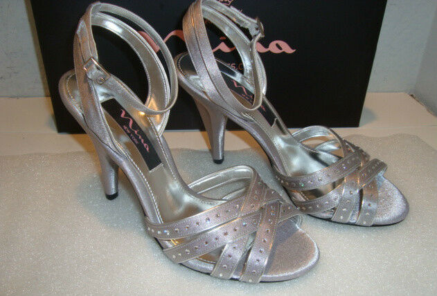 Nina New York Damenschuhe Damenschuhe Damenschuhe NWB Deana Royal Silver Heels Schuhes 6 Medium NEW d5028a