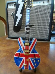 Noel-Gallagher-Oasis-Union-Jack-Supernova-1-4-Escala-Replica-Guitarra