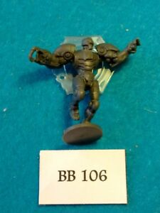 Mantic-Games-Dreadball-2-Romeo-Blue-Neo-Bot-Captain-BB106