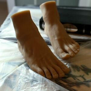Realistic-Silicone-Male-Mannequin-Feet-Model-Shoes-Socks-Displays-Size-42