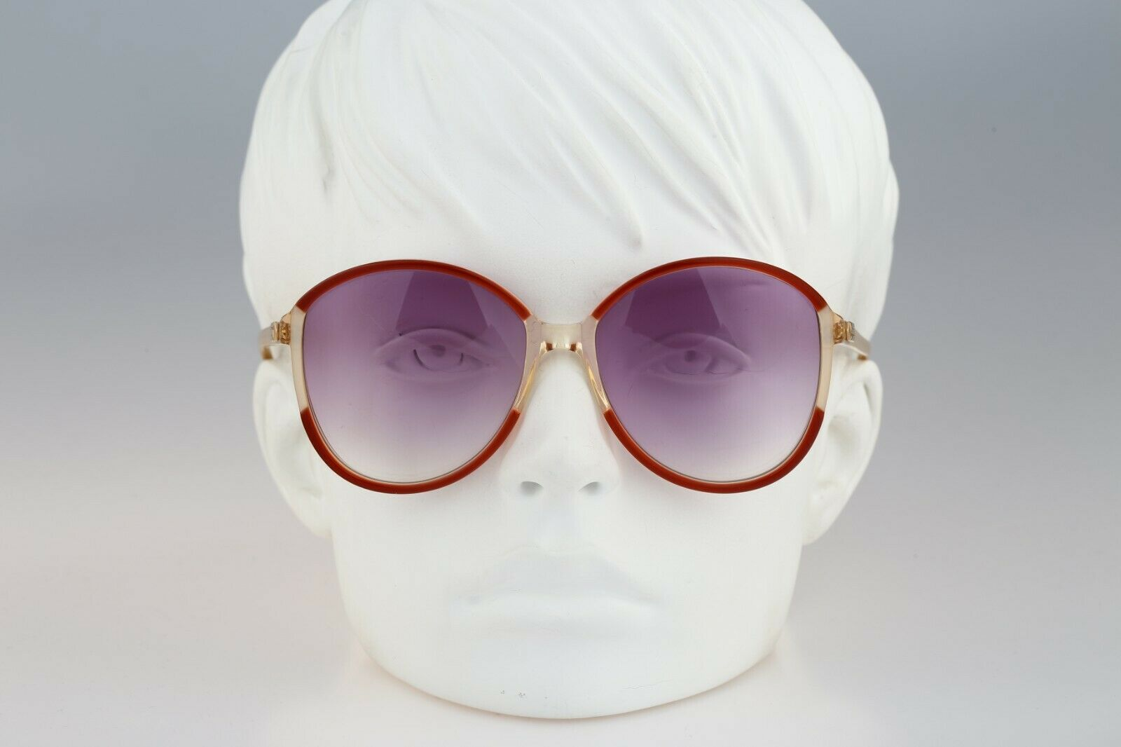 Silhouette M 1126 20 C 2713, Vintage 70s red & cl… - image 1