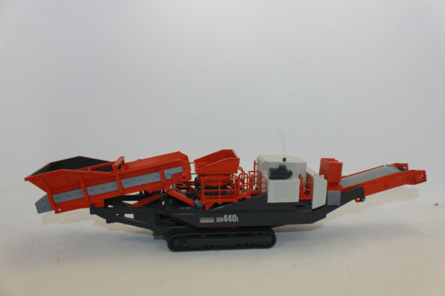 Conrad 2511 SANDVIK Mobile Crushing Unit UH 440i Crushing Plant 1:50 NEW  BOXED