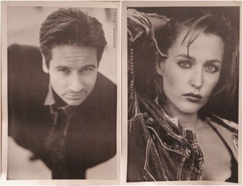 """(2) TV POSTERS~David Duchovny+Gillian Anderson X-Files 25x35"""" Combo UK Imports~"""