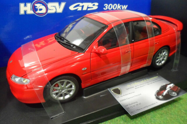 HOLDEN HSV VT2 GTS 300 rouge red 1/18 AUTOart 73423 voiture miniature collection