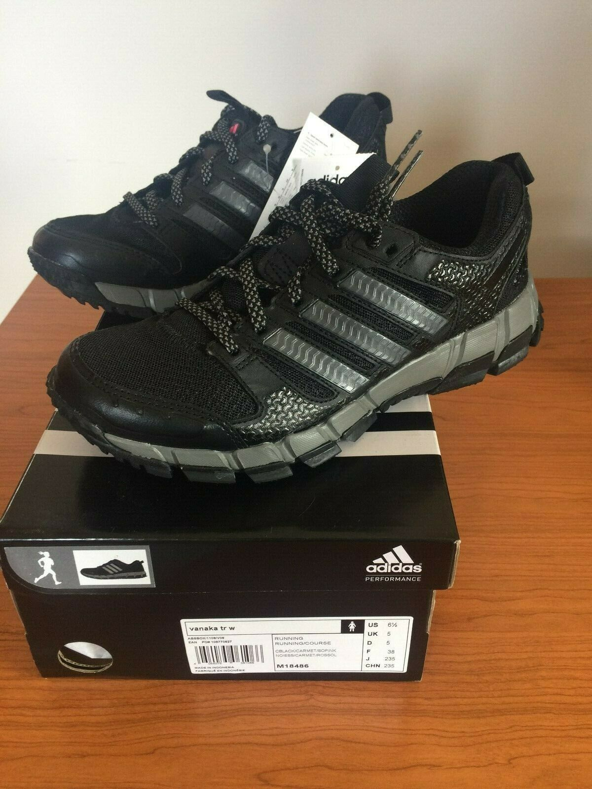 Adidas shoes vanaka tr w m18486 Brand new in its box