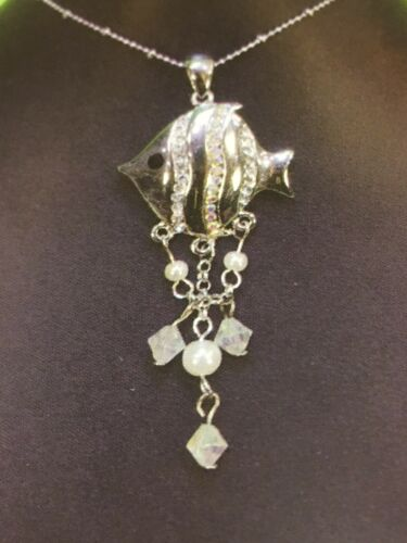 Fashion Cute Fish Pendant in Silver Colour with Rhinestones and Pearls