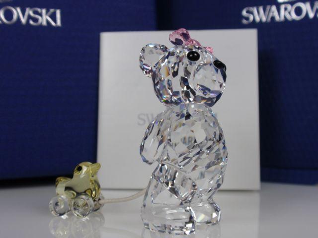 SWAROVSKI KRIS BEAR, IT'S A GIRL RETIrojo 2011 MIB  949710