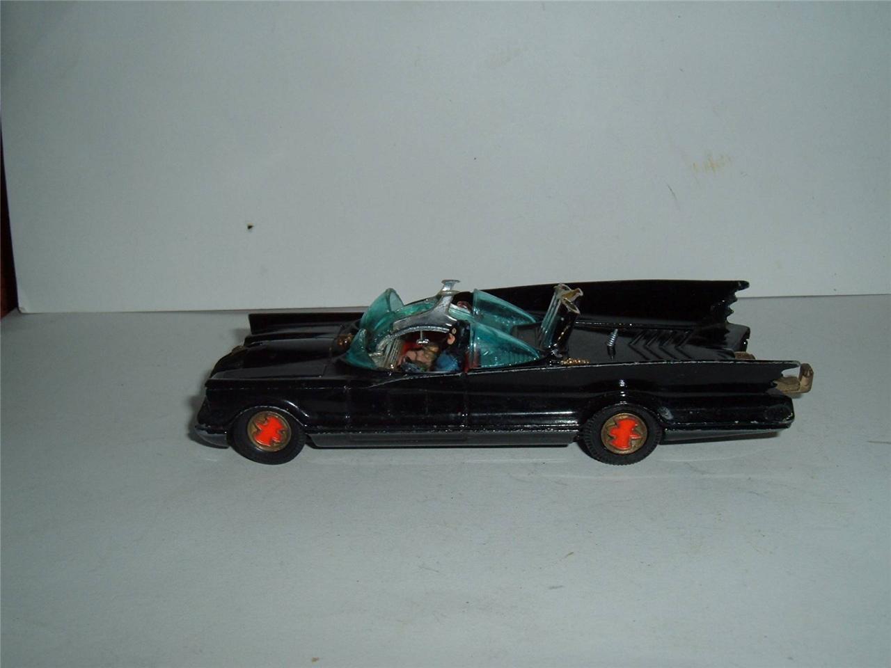 Corgi Toys Gran Bretaña Batman coche en condición usada Vintage Dañada Vidrio