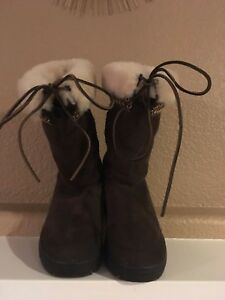 Ugg Womens Boots, Size 8 | Property Room