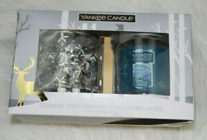 Yankee-Candle-Icy-Blue-Spruce-Christmas-Gift-Set-Metal-Jar-Sleeve-Snowflakes-NEW