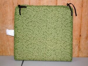 Outdoor Patio Seat Pad ~ Green Leaf ~ 21.5 x 20.5 x 2.25 **NEW** 1