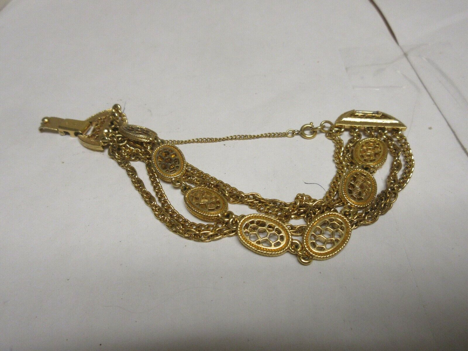"Costume Jewelry , Vintage , Monet , Gold Bracelet , 8"""