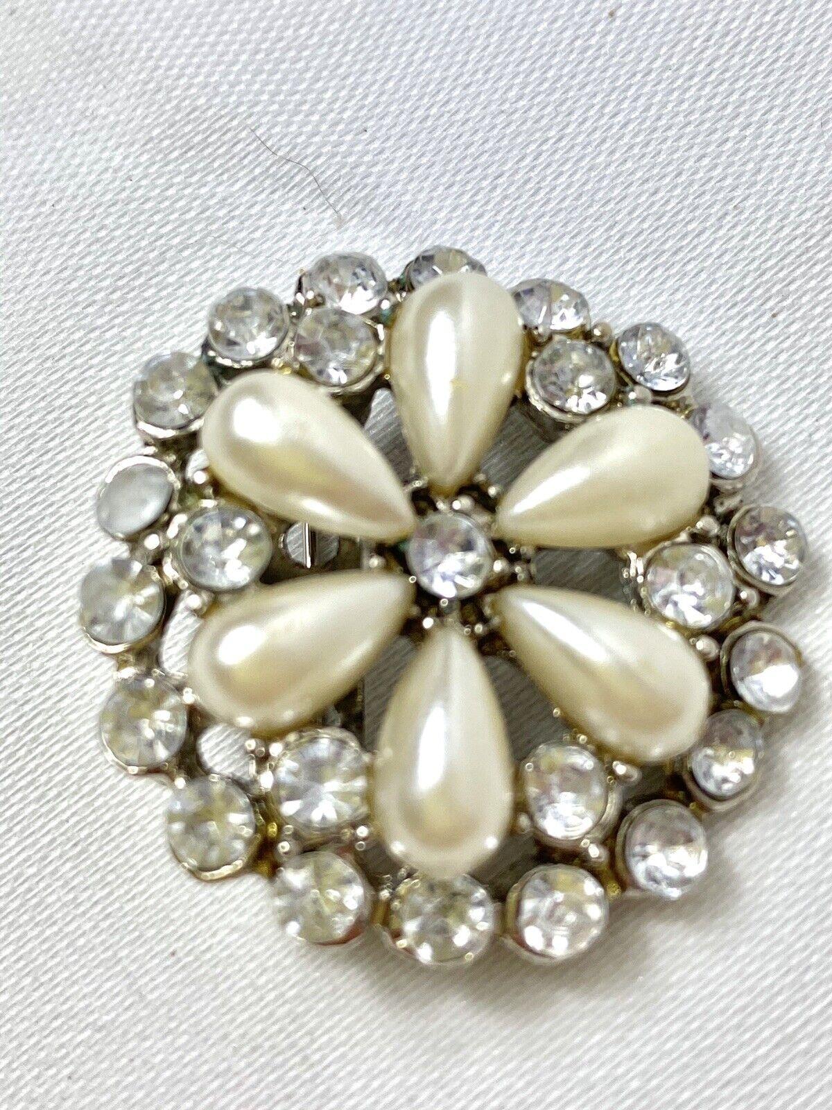 Vintage Pearl Petal Brooch - image 2