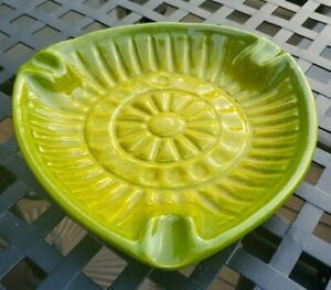 Vintage-MCM-Large-Green-amp-Yellow-Triangular-Ceramic-Bowl-Ashtray-Mid-Century
