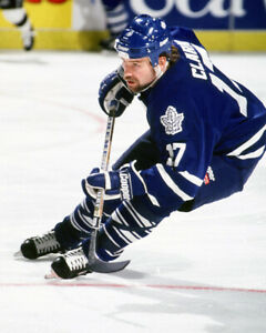Wendel-Clark-Toronto-Maple-Leafs-Unsigned-8x10-Photo-T