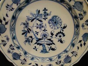Image is loading Antique-Ernst-Teichert-Meissen-Blue-Onion-Dinner-Plates- & Antique Ernst Teichert Meissen Blue Onion Dinner Plates 9 3/4