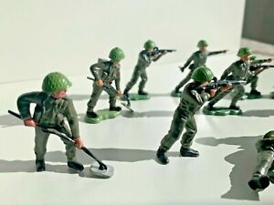 Vintage Lot 1970s Britains Toy Soldiers