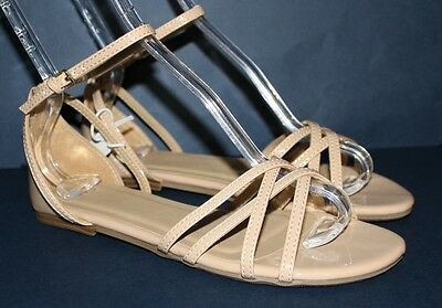 Gap NWT Womens 10 Taupe Patent Criss Cross Strappy Flat Buckle Sandals